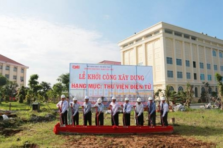 THE GROUNDBREAKING CEREMONY FOR A NEW LIBRARY