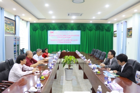 Mr. Junichi KAWAUE, Consul General of Japan visits Nam Can Tho University