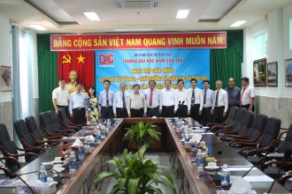 DEPUTY MINISTER OF EDUCATION AND TRAINING BUI VAN GA VISITED NAM CAN THO UNIVERSITY